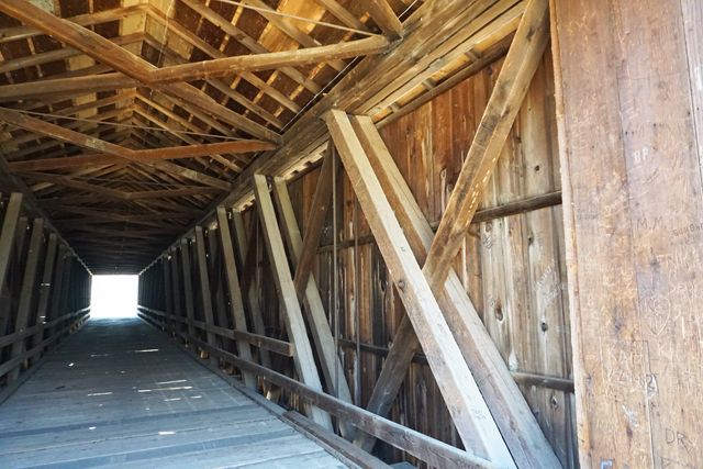 Howe-truss system used to build the Locust Creek covered bridge.
